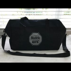 Modelo UFC Duffle Travel Zip Bag black